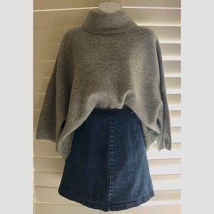 Sweaters - Super Soft Gray Turtleneck Sweater